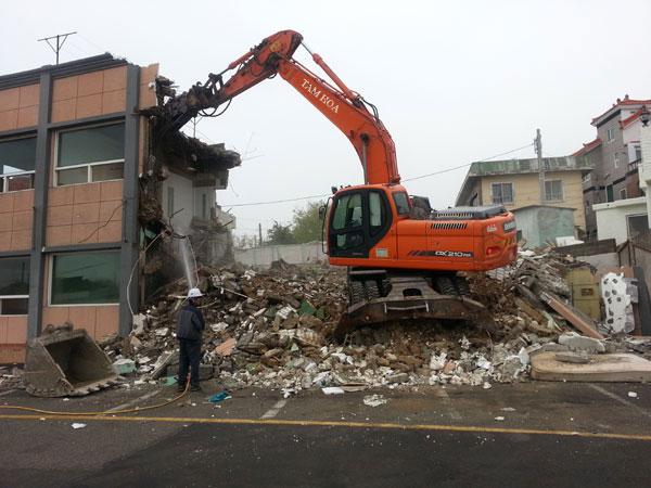 phá dỡ công trình xây dựng cũ tại hà nội